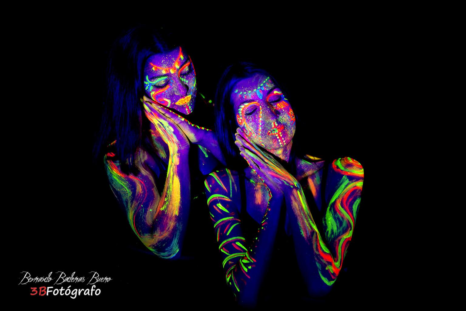 Luz Negra  (Modelos: Astrid y Claudia)